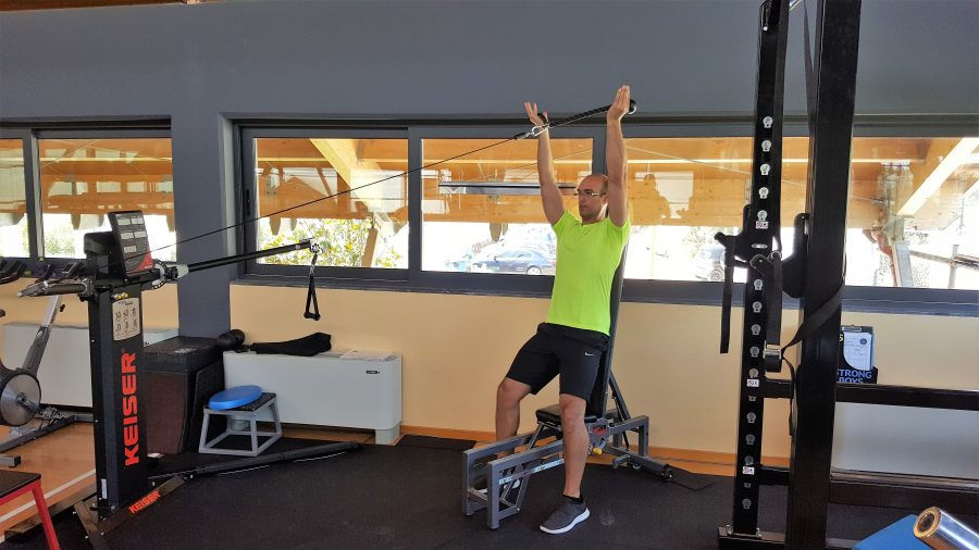 Μια εξαιρετική άσκηση για τους ώμους